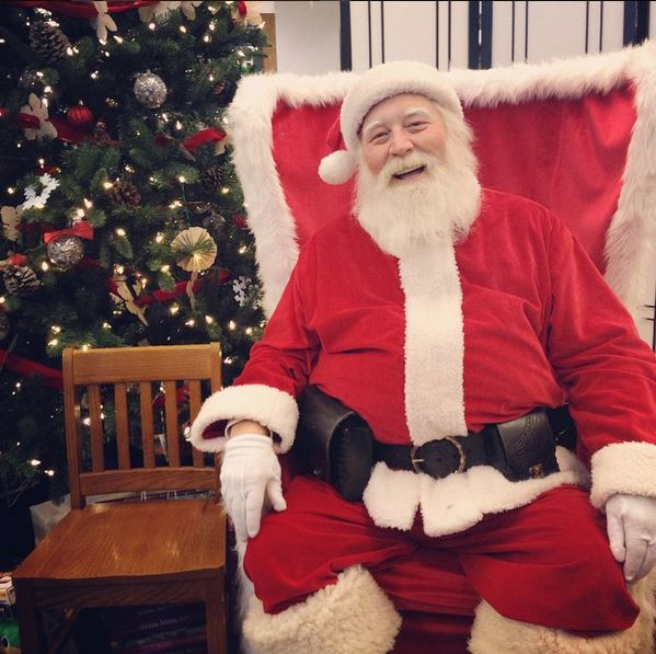 bring the whole family fido too for a memorable snapshot with santa donations appreciated and will benefit the north texas food bank - Pictures With Santa Claus